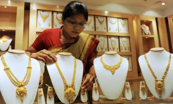 In Booming India, All That Glitters Is Gold